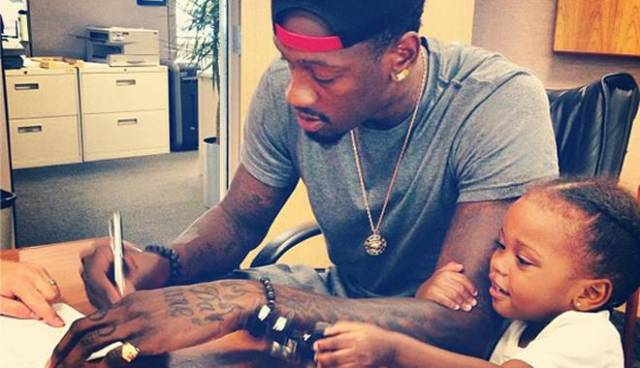 Larry Sanders signing extension on instagram